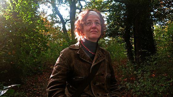 """Nominiert für den """"Liebster Award"""" ist die BiographinIW. Sie beantwortet 11 Fragen zum Thema bloggen"""