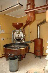 Fotografia di un macchinario per la torrefazione del caffè
