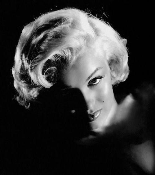 Marilyn Monroe: always classic beauty.