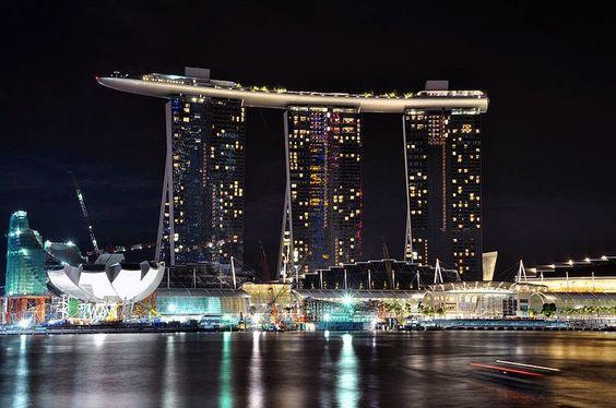 Marina Bay Sand, tòa nhà hiện đại nhất thế giới.