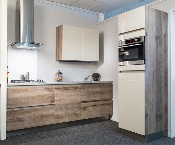 Greeploze Keuken Kleur : greeploze keuken Hout kleur gecombineerd met een