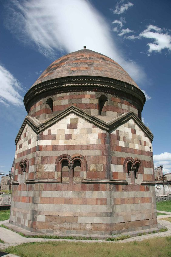 https://flic.kr/p/6MR4Nc   Erzurum, Üc Kümbetler