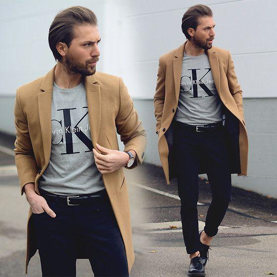 Mali Karakurt - Zara Coat, Calvin Klein Shirt, Daniel Wellington Watch, H&M Belt, Levi's® Jeans, Dr. Martens Shoes - CAMEL OBSESSION