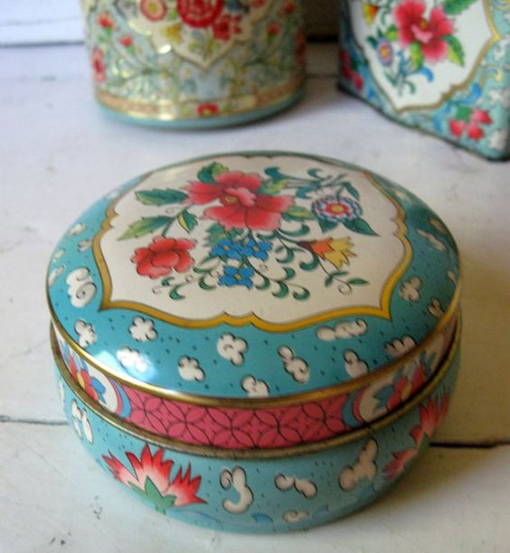 Daher Tin Litho Metal Candy Box Shabby by Somethingcharming, $12.00