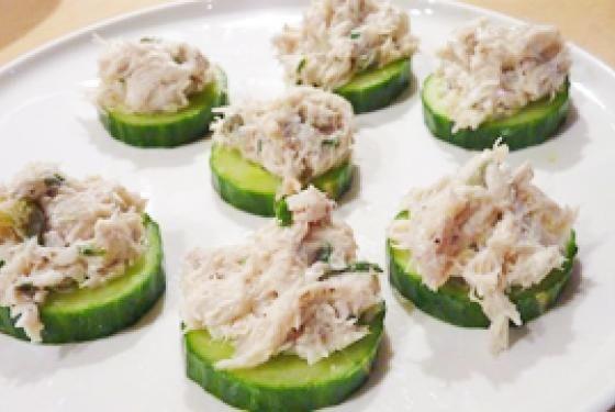 Tapas concombre-rillettes de maquereau frais: