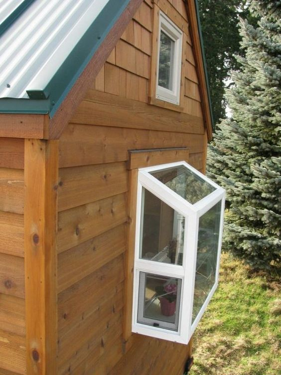 Tiny house on wheels kitchens and greenhouses on pinterest for Tiny house with greenhouse