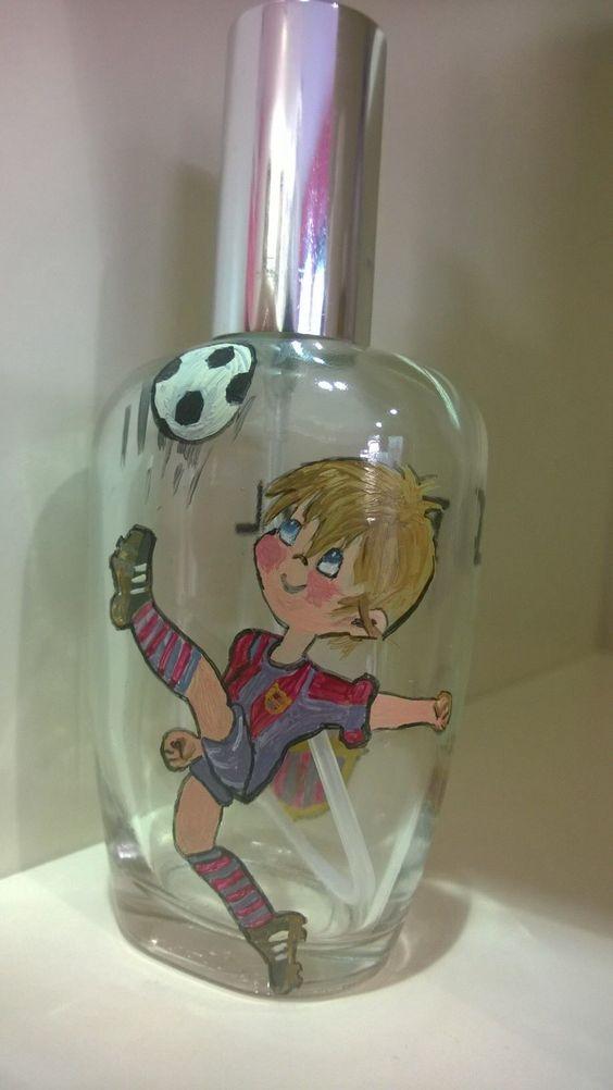 Que os parece? Un buen regalo para esos niños aficionados al fútbol. Daniel nos pidió el barcelona y contendrá su propio perfume. #comuniones #regalo #shopping