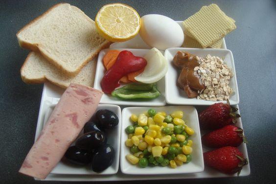 Menú completo para Picnic: arrolladitos de jamón, sándwich, dulces, tortilla e infusiones | Recetas | cookcina