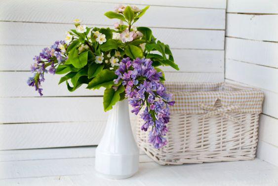 Arrangement floral Lila, fleurs de printemps, en fleur, mariage décoration florale, Apple, Cherry blossoms, Vase, blanc, rose, violet, pièce maîtresse