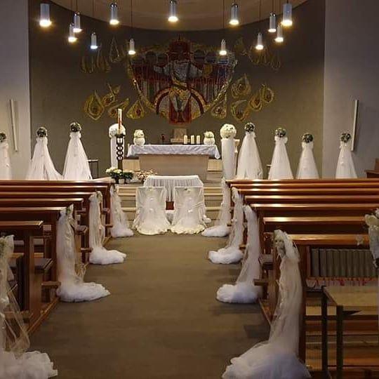 Stmichaelkirche Oldenburg Kirche Hochzeitsdeko Hochzeit Hochzeitsdekoration Table Decorations Ceiling Lights Decor