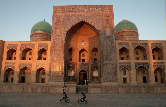 Buchara (Bukhara), Mir-i Arab Madrasa