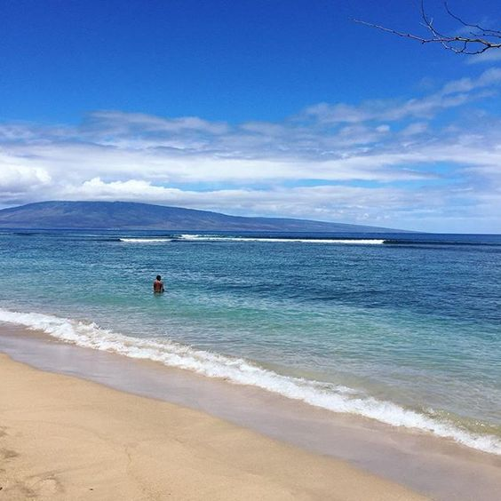 West side for some sun #poshpua #maui #ohana #beachday