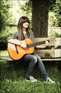 Latest Stylish Girls with Guitar Profile pictures for Whatsapp