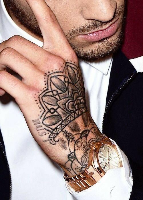 Pin By Hr Shx On Tattoos Piercings Zayn Malik Tattoos Zayn Mailk Zayn