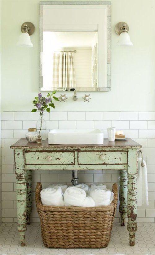 Wie Man Moderne Und Weinlese Designs Im Badezimmer Effektiv Zusammenfuhrt Badezimmer Designs Effe In 2020 Shabby Chic Bathroom Vintage Bathrooms Farmhouse Bathroom