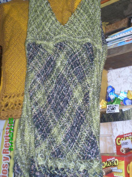 Vestido en telar cuadrado y triangular con aplicaciones - Aplicaciones en crochet ...