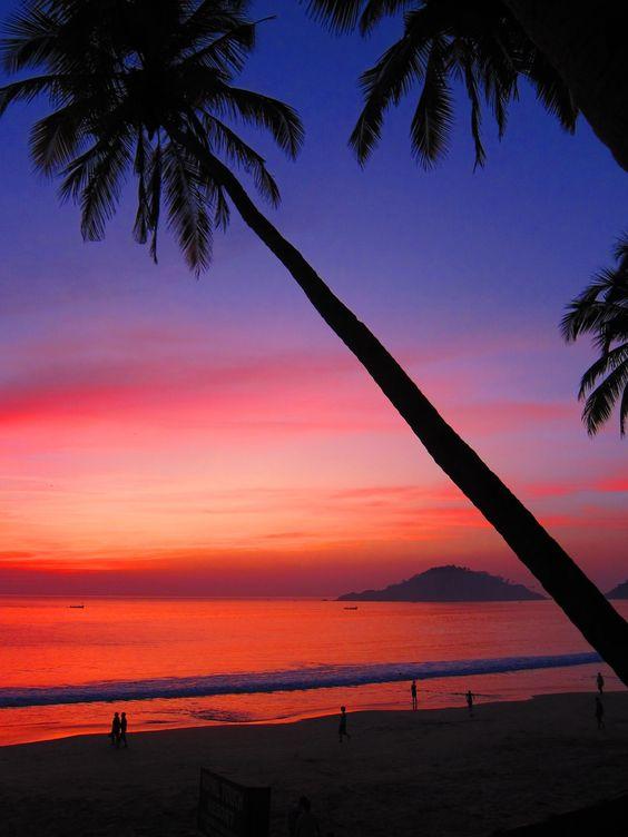 Amazing Sunset on the Beaches of Goa, India! http://planetandgo.com/my-first-week-backpacking-in-goa/ #amazingplaces #goaindia #worldtravel #backpackingindia #planetandgo #sunset #amazingbeaches #tropicalbeach