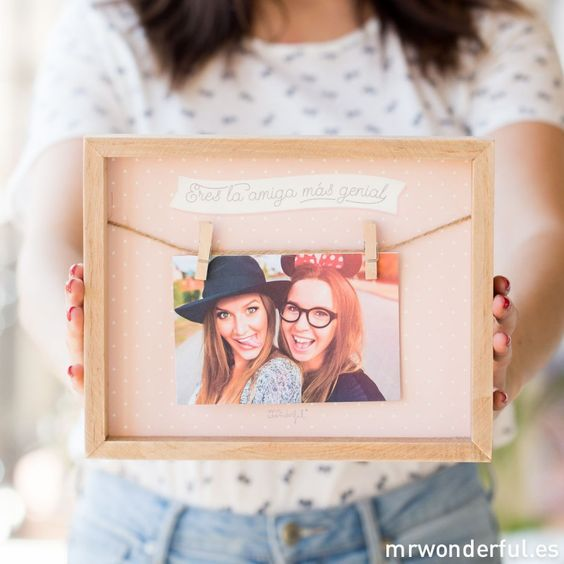 Marco de fotos eres la amiga m s genial mr wonderful - Regalo original hermana ...
