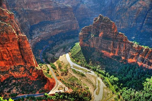 Zion Canyon view from Angel's Landing - Zion National Park, Utah photo by Jono Hey via flickr