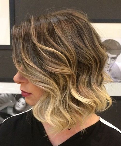 Top 8 Most Gorgeous Short Wavy Hairstyles 2018 For A Trendy Look Hair And Comb Short Hair Balayage Short Wavy Hair Wavy Bob Hairstyles