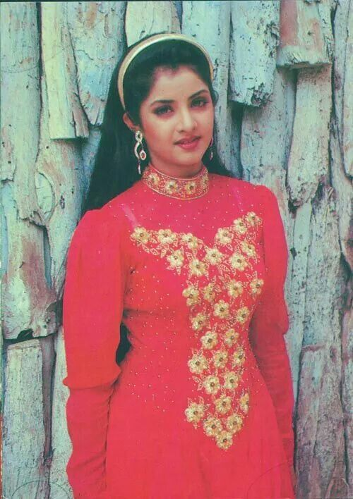 Pin By Anushka On Divya Bharti