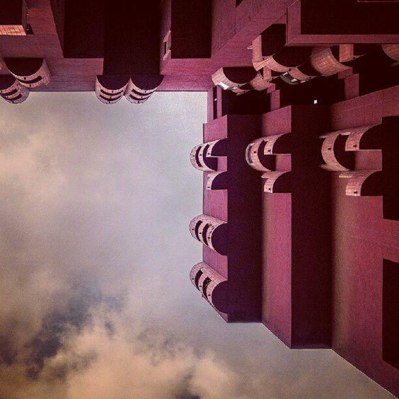Strange strength | Extraña fortaleza #building #edificio #balconies #balcones #ceramics #ceramica #plaster #revoco #architecture #arquitectura #ricardobofill - @vero noguerol...