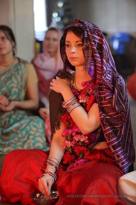Vivaha-yajna on Dynamo wonderful couple - 110 pics. 12 Principles for a Successful Krsna Conscious Marriage