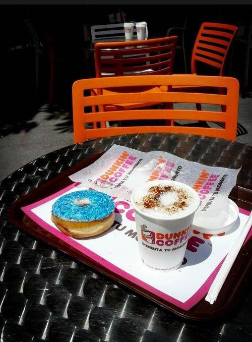 Dunkin' Coffee, desayuno en terraza