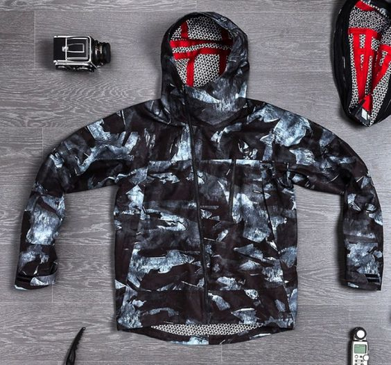 isaora-quiksilver-2013-snow-wear-4