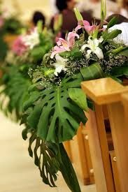Resultado de imagen para decoraciones de boda con hojas verdes y flores
