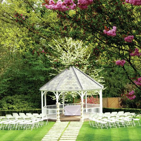 10 Wedding Venues With Gorgeous Gardens