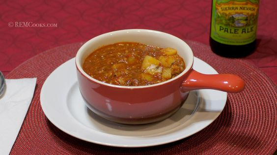 Here is another wonderful meal for the cold weather we are having. Not surprisingly, it's full of chiles. :) Just make sure you have some cold beer on hand.