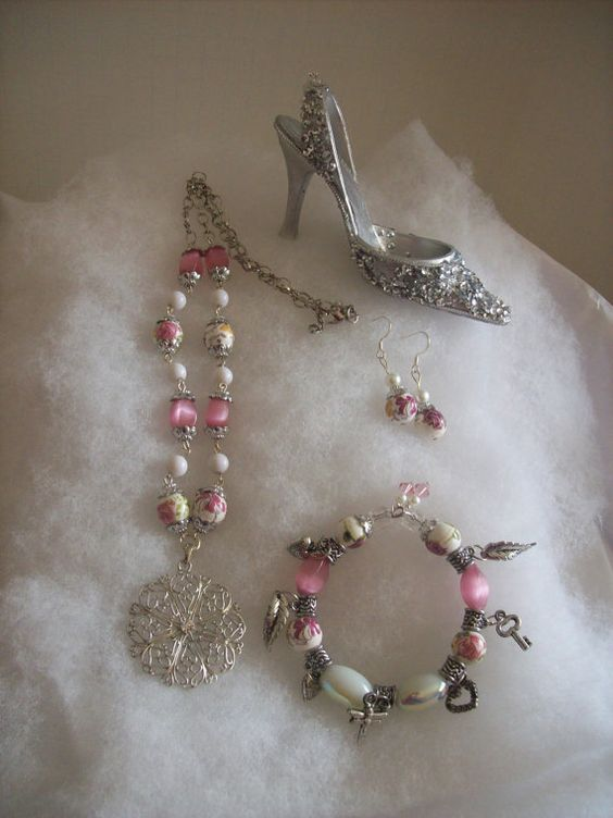 On sale Romantic pink rose jewelry set by thelemontreeshoppe, $26.95