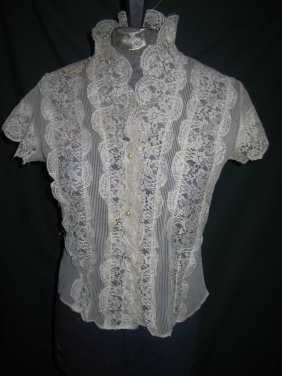 Vintage Lace Blouses | Vintage Wardrobe Must Haves: The Little ...