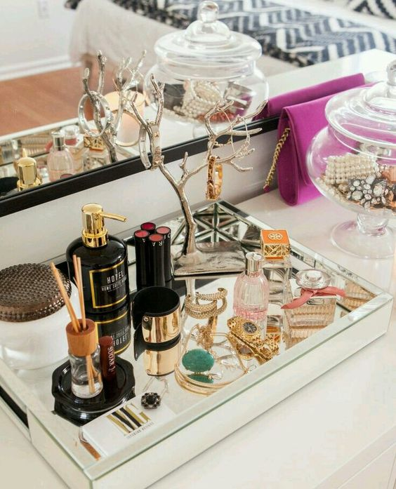Cute vanity set up