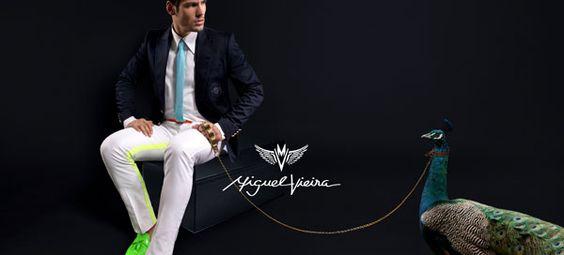 Paisagens idílicas, tons cítricos e aromas de outras culturas foram as grandes influências no tema da campanha internacional de calçado e vestuário masculino do estilista Miguel Vieira para o Verão de 2013.