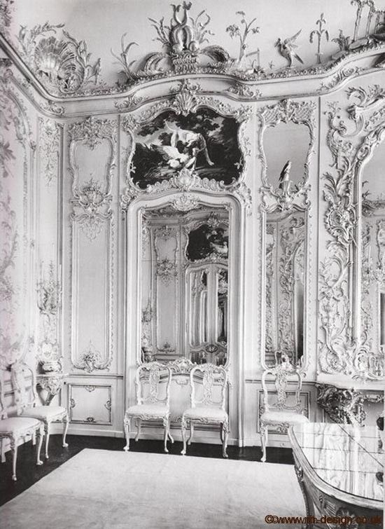 Black And White Photo Of Rococo Room With Images Parisian