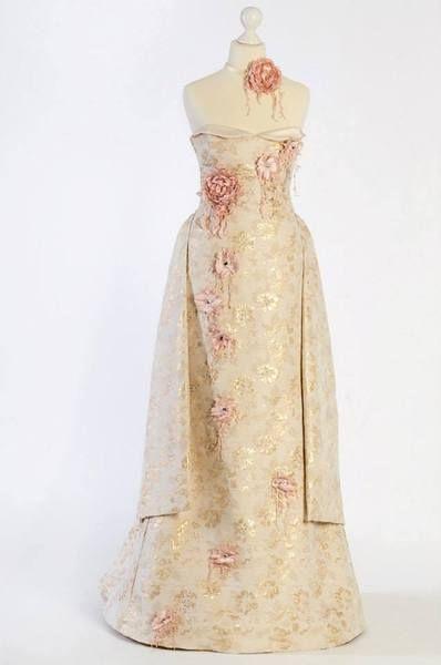 Gala Braut - oder Abendkleid von BlossomValley auf DaWanda.com
