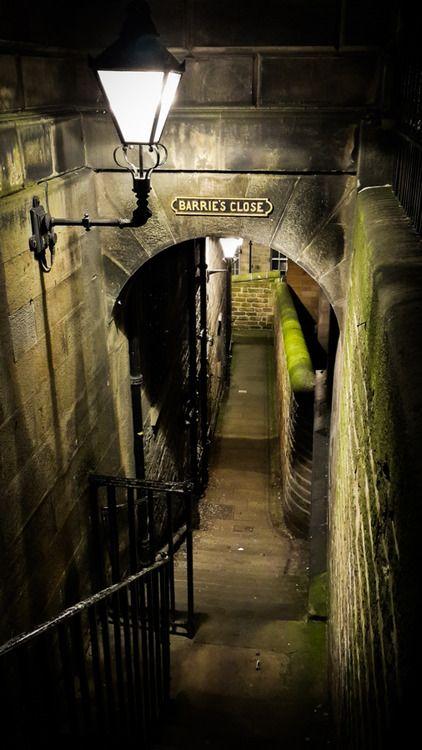 Ancient Passage, Edinburgh, Scotland [photo via timeand]