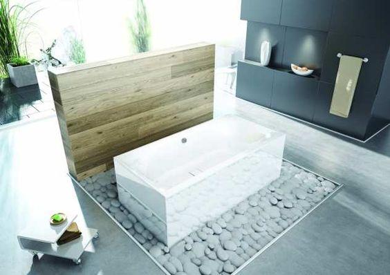 Freistehende Badewanne - Thasos im Badezimmer mit Holzwand