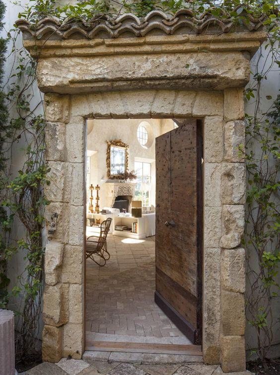 Stone Front Entry Door~ Plantas Jardim Mediterraneo