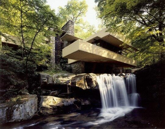 Fallingwater, Mill Run, PA #architecture #FrankLLoydWright pic.twitter.com/VF0qkpGRY0