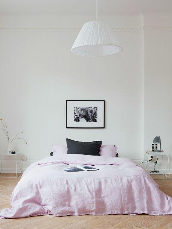 feng shui schlafzimmer einrichten farben rosa feng shui bett ...