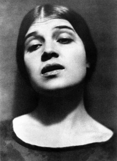 Tina in Mexico, 1924, Edward Weston via Galerie Bilderwelt, Berlin