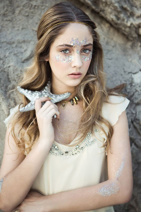 Glamour Mermaids / karen cox.: