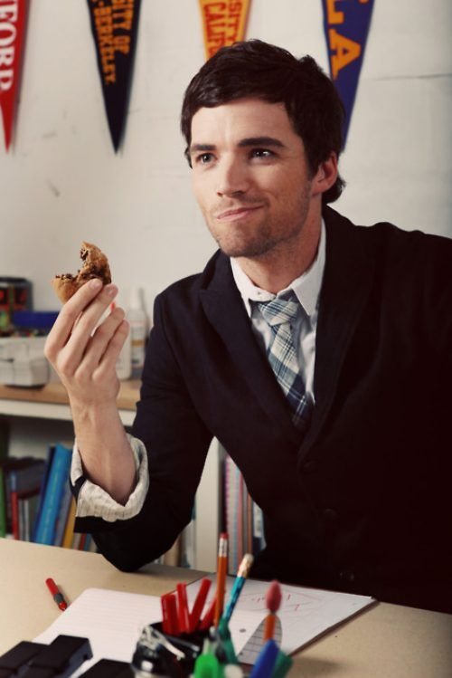 Mr. Fitz (Ian Harding) why couldn't my teachers look like that???