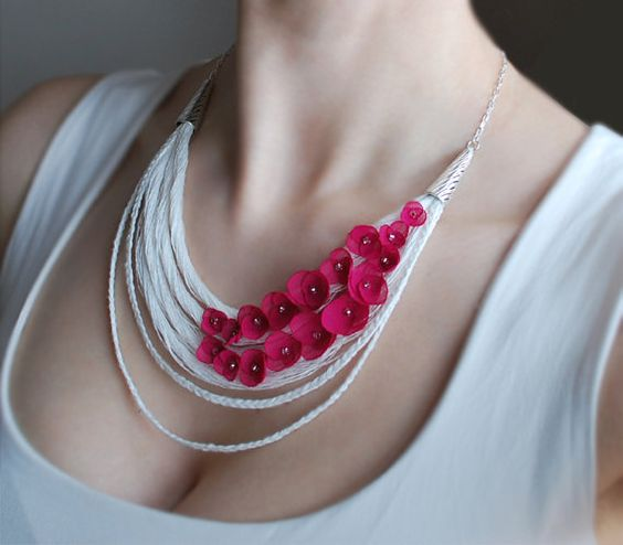 This OOAK necklace is made of pure natural linen thread in off white and handmade fabric flowers in fuchsia pink. Everything is hand stiched, NOT