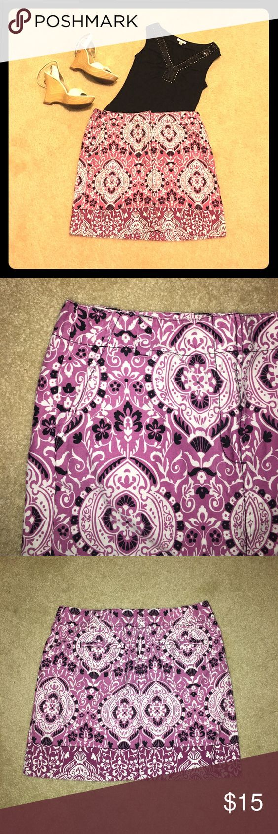 LOFT lilac, black and white skirt LOFT 100% cotton skirt. 4 pockets and zipper in the front. Good condition LOFT Skirts
