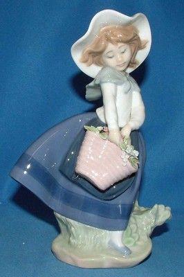 Lladro Porcelain Figurines For Sale » Lladro Figurine, 5222, Pretty pickings