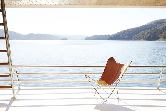 A dream houseboat on lake Eildon